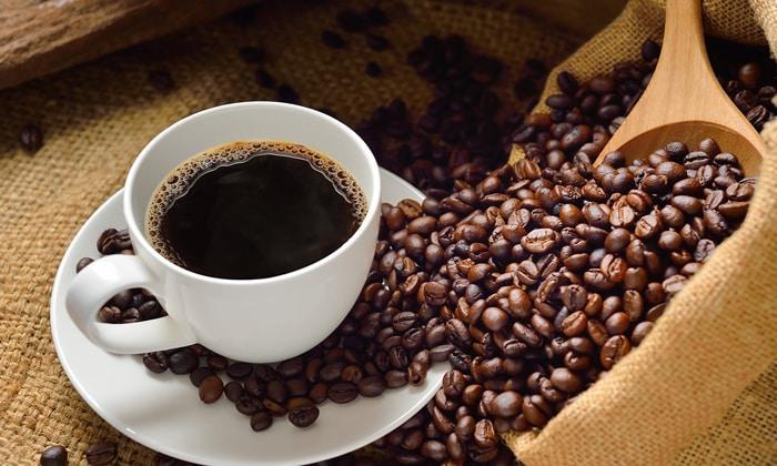Диспепсические расстройства, вызванные злоупотреблением кофе являются причиной для применения препарата