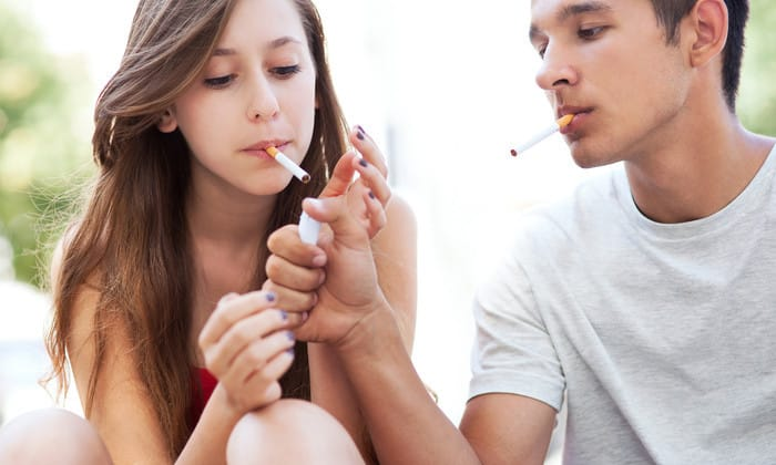 Аллохол рекомендуют для регулярного очищения печени тем, кто курит