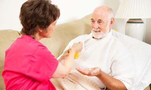 Пациентам старше 60-ти лет Папаверин и Анальгин назначаются с осторожностью