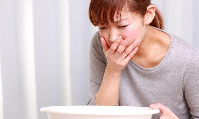 После применения препарата больные жалуются на появление тошноты