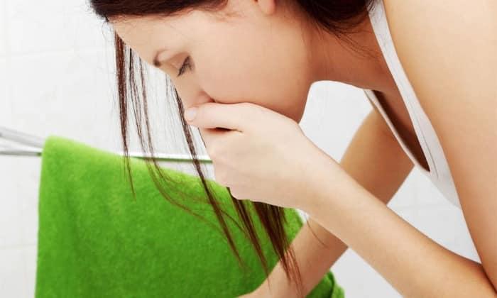 Побочные проявления от применения вещества проявляются ввиде тошноты