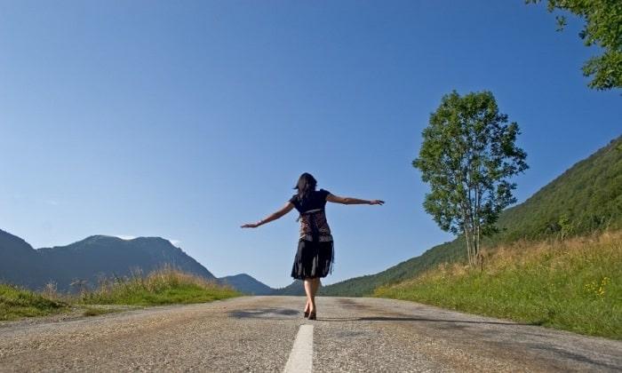 В редких случаях прием препаратов влияет на координацию движений, провоцируя шаткость походки