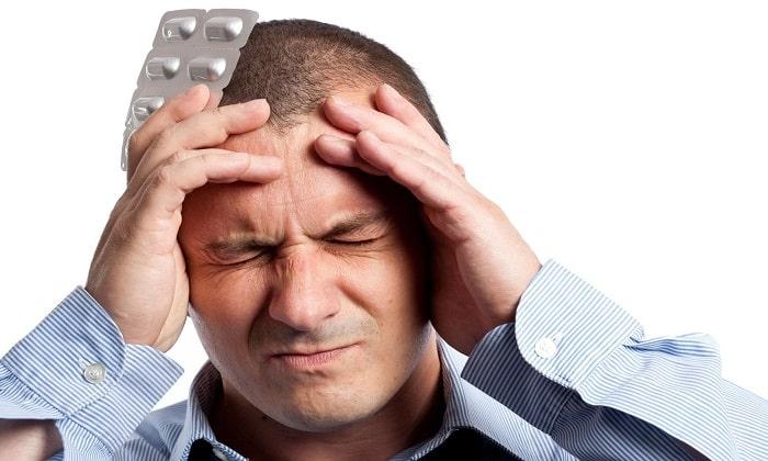 Медикамент прописывают при резких головных болях, вызванных спазмом сосудов