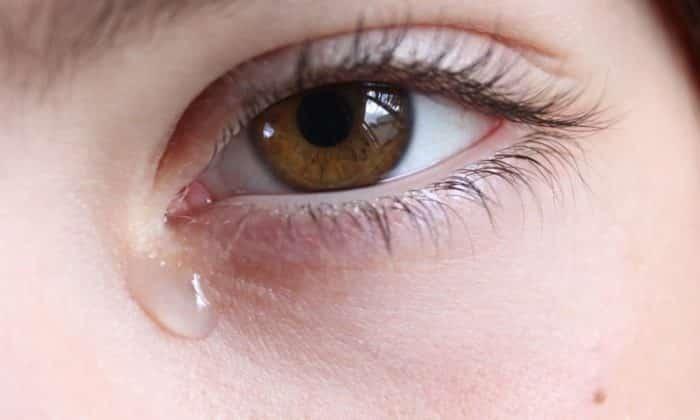 Прием препарата может вызвать слезотечение