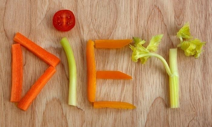 Если нарушение пищеварения произошло из-за неправильной диеты, то достаточно будет нескольких дней принимать Панкреатин