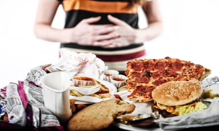 При правильном употреблении медикаментозного средства оно устраняет неприятные ощущения при переедании