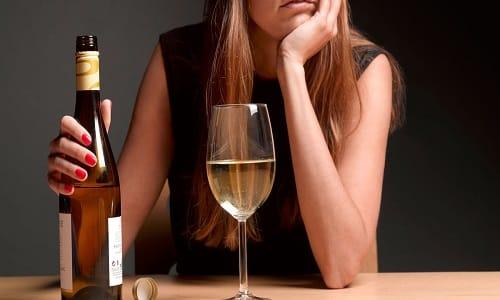 На весь период терапии необходимо отказаться от алкоголя в любых объемах, даже минимальных