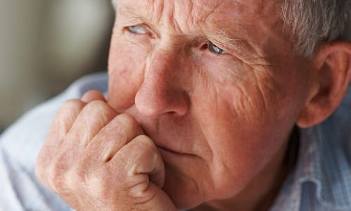 Медикамент не назначают пациентам старше 60-65 лет вследствие риска появления побочных эффектов в выраженной форме
