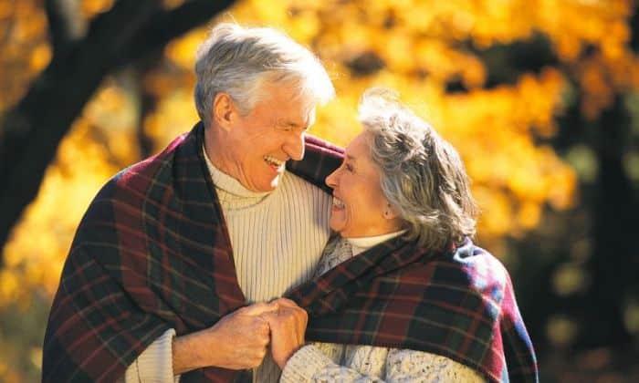 Людям в пожилом возрасте лекарство назначают, чтобы замедлить процессы старения головного мозга