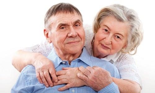 В пожилом возрасте разрешается прием препаратов, однако требуется соблюдение осторожности в выборе дозировки