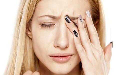 Симптомом превышения дозировки является ухудшение зрения, двоение изображения в глазах