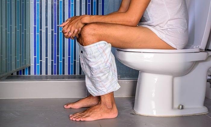 Прием Дюспаталина может сопровождаться нарушением стула