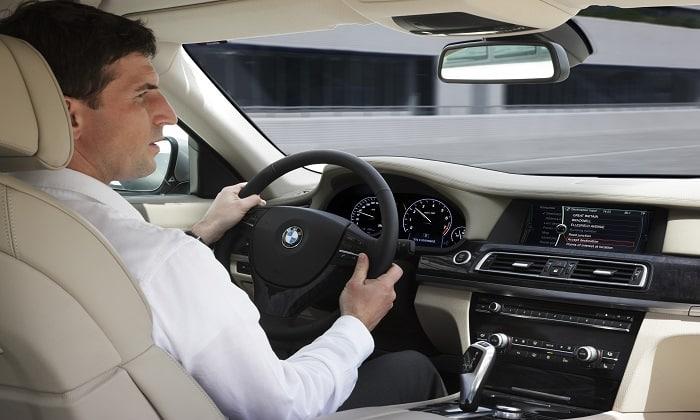 Препарат необходимо с осторожностью принимать людям, связанным с управлением автомобилем