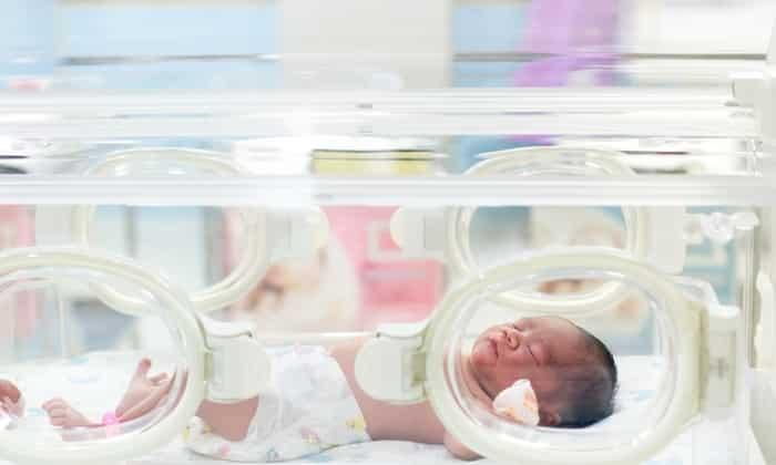 Биодобавку назначают часто недоношенным новорожденным, чтобы привести вес в норму быстрее