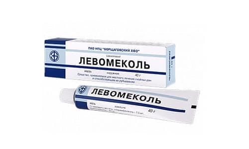 Левомеколь применяют не только для обработки инфицированных ран, но и для лечения геморроя, ожогов, воспаления среднего уха, дерматита