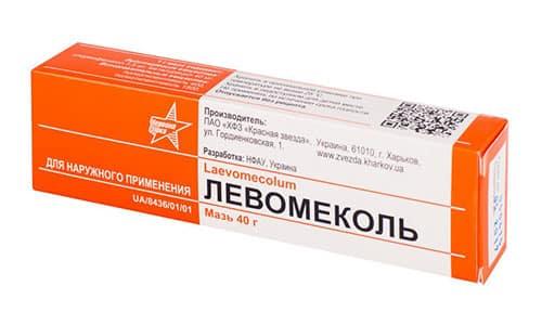 Левомеколь возможно использовать при заболеваниях лор-органов, повреждениях толстой кишки с образованием трещин, гнойных ран